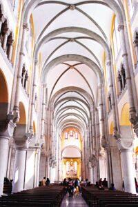 Собор Св.Игнатия внутри